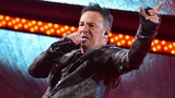 Bruce Springsteen signs Philadelphia fifth-grader's absence note