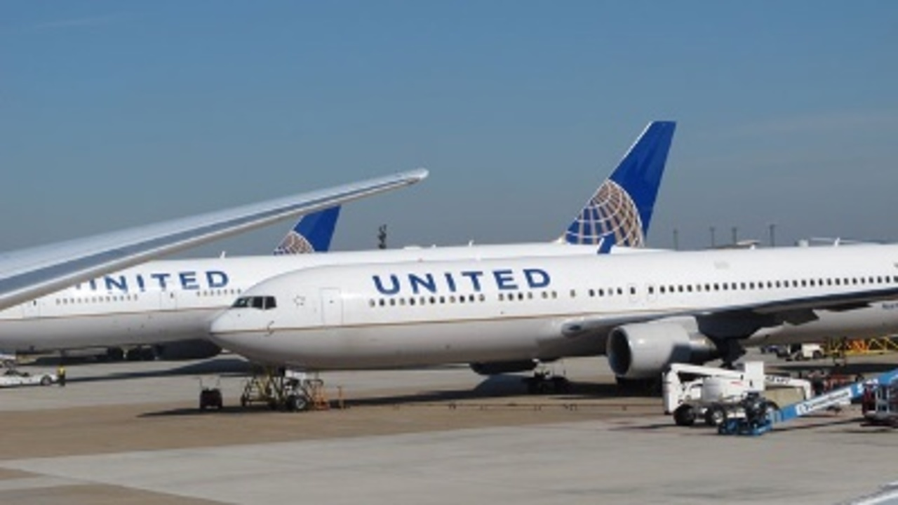 contract and united airlines Maintenance workers at united airlines rejected a new contract offer, their union said tuesday, adding it will seek approval from us regulators to strike.