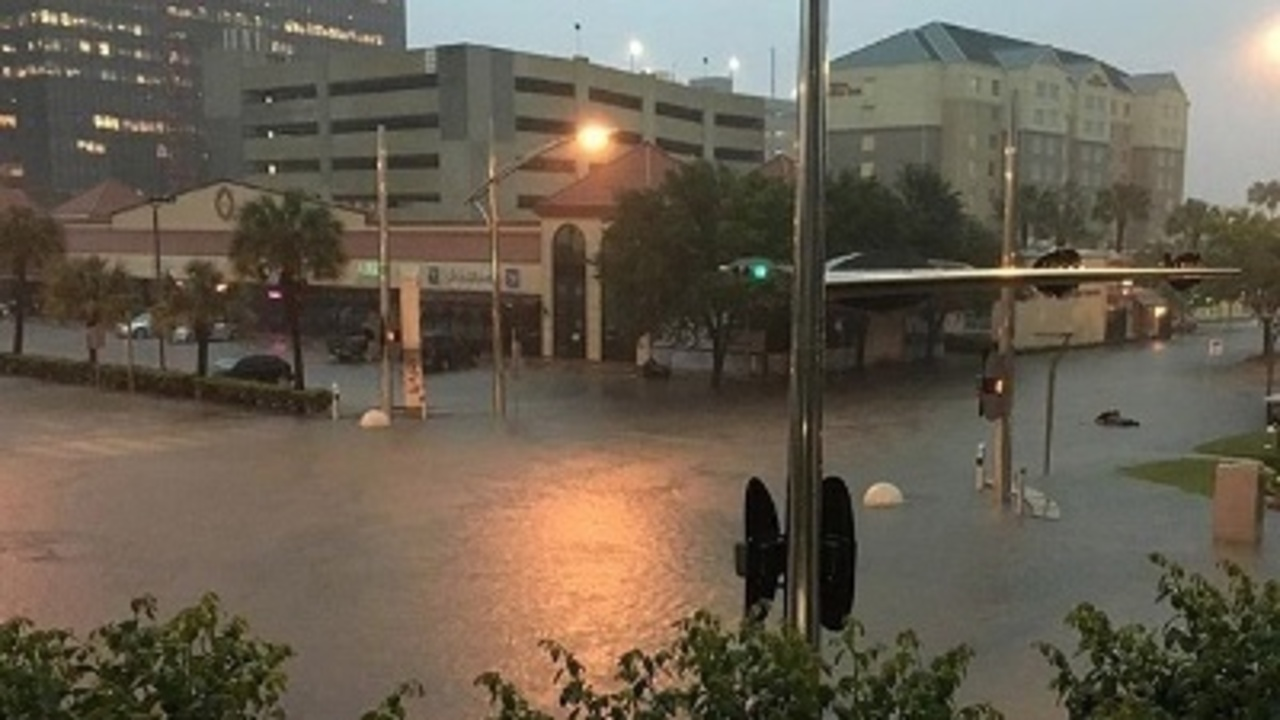 At least 5 dead in Houston flooding