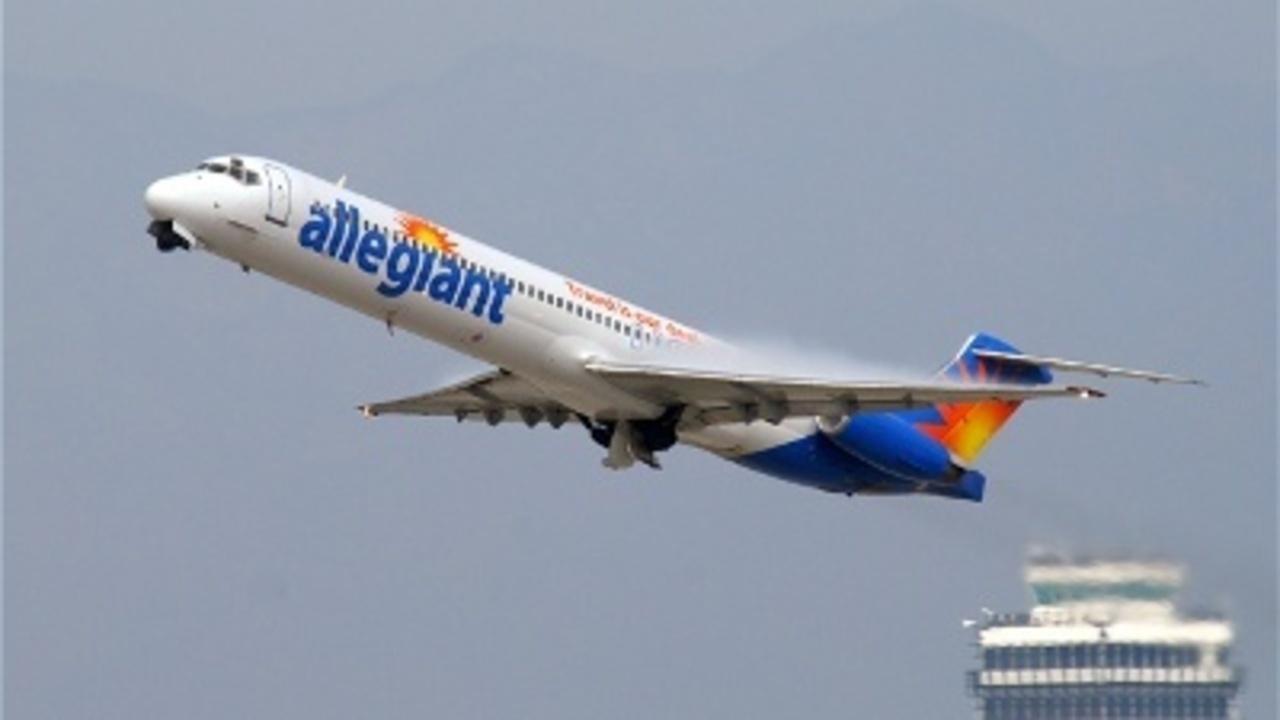 Family Kicked Off Flight Over Peanut Allergy