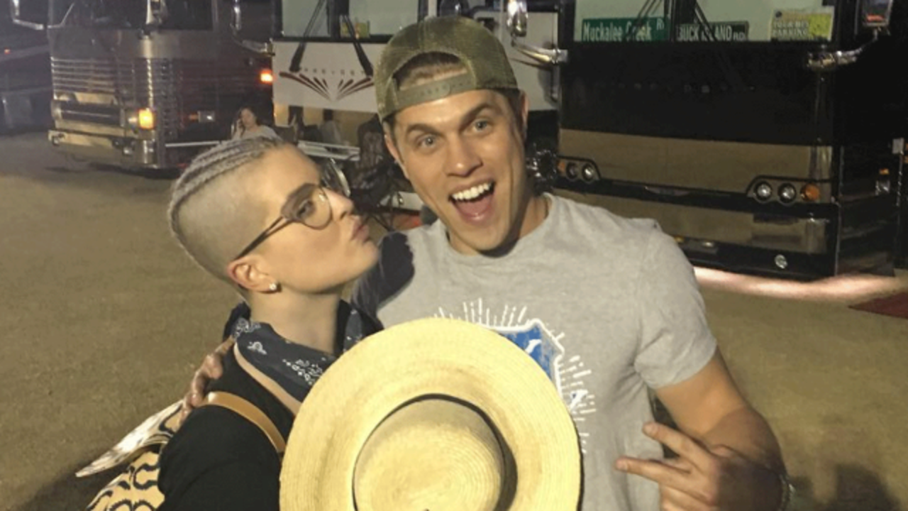 Kelly Osbourne Shares Picture With Country Singer Dustin