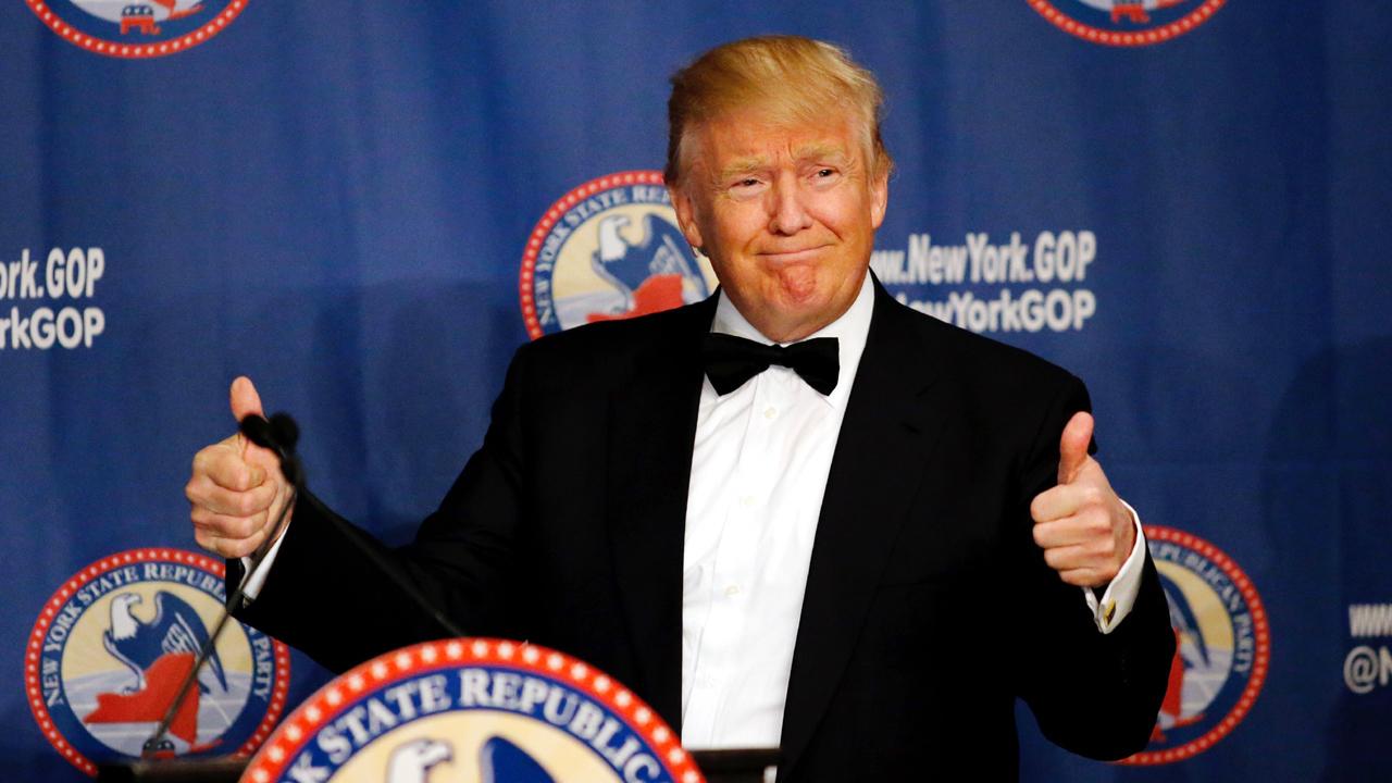 Donald%20Trump%20thumbs%20up_4421765_ver
