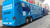 Clinton bus tour looks for inroads with Republicans