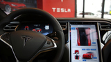 Tesla's new model as fast as a Ferrari or Porsche