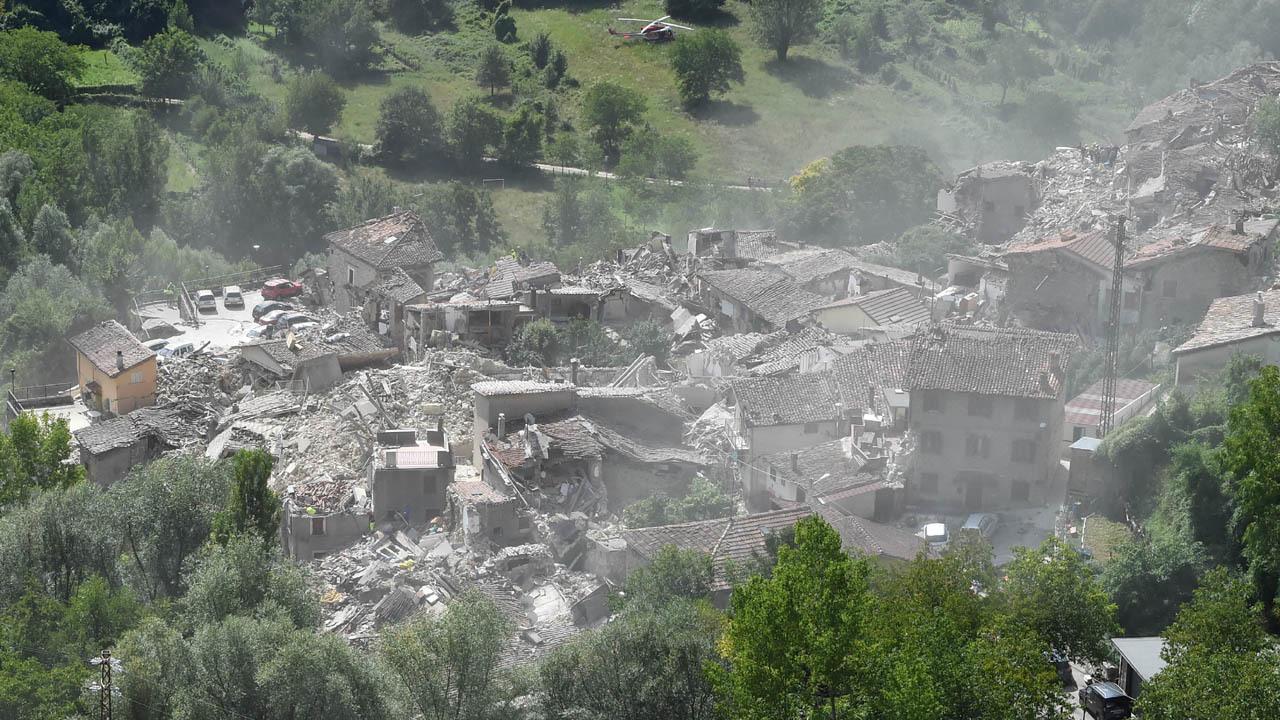 Italy earthquake leaves 247 dead