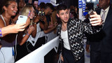 Stars rock the carpet at MTV VMAs