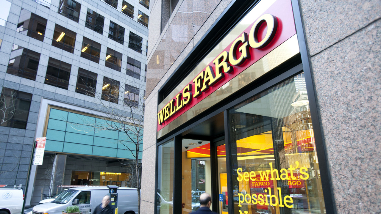 Wells Fargo was silent about account probe for 6 months
