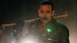 'The Walking Dead' delivers blow to fans in bloody premiere