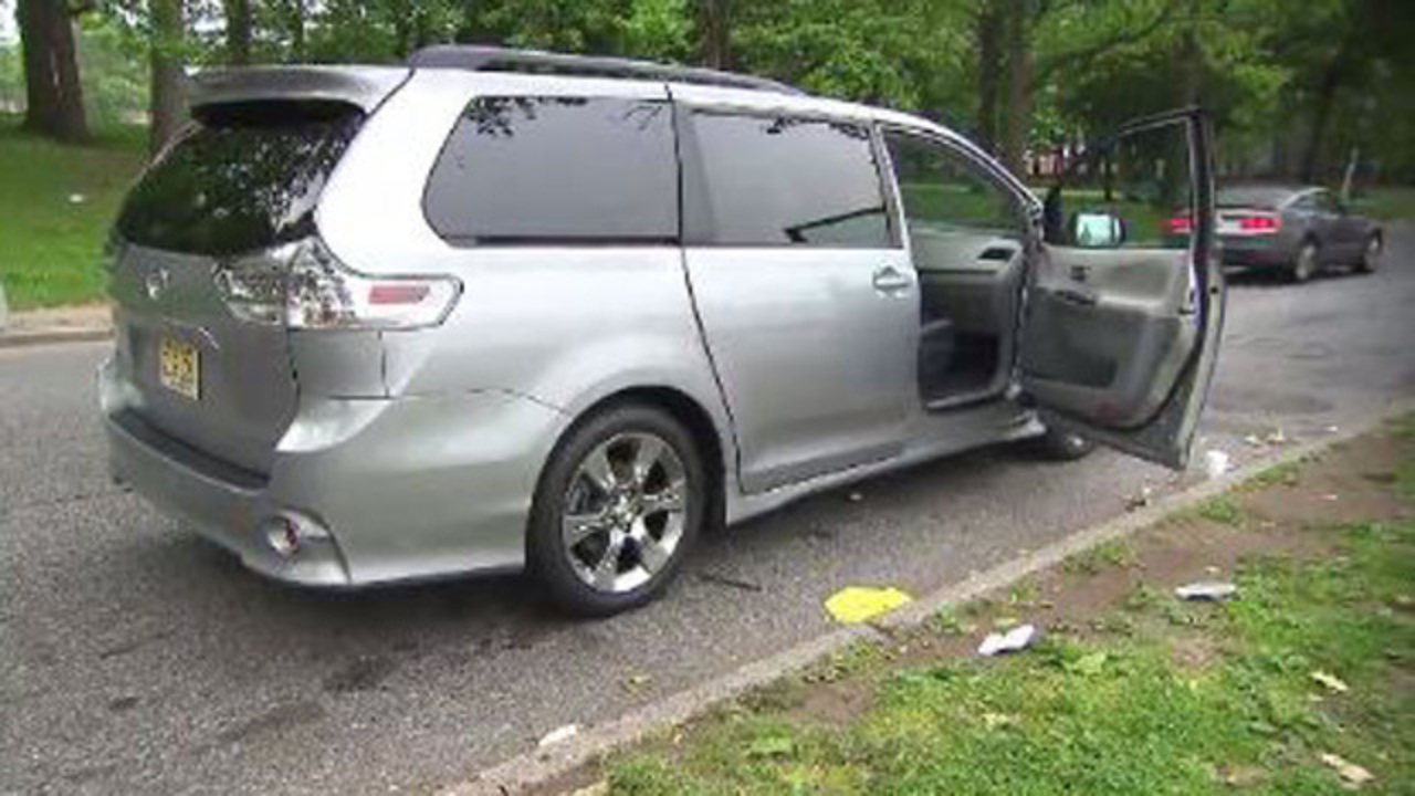 Beautiful Door Problem Prompts Toyota Sienna Recall