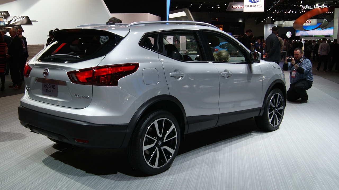 nissan adds another subcompact suv with rogue sport. Black Bedroom Furniture Sets. Home Design Ideas