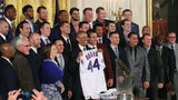 Obama welcomes in world champion Chicago Cubs