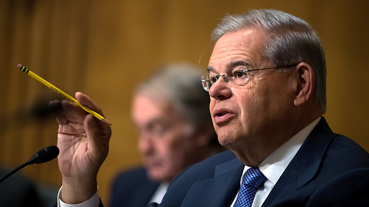 Jury deliberations in Menendez trial to begin anew