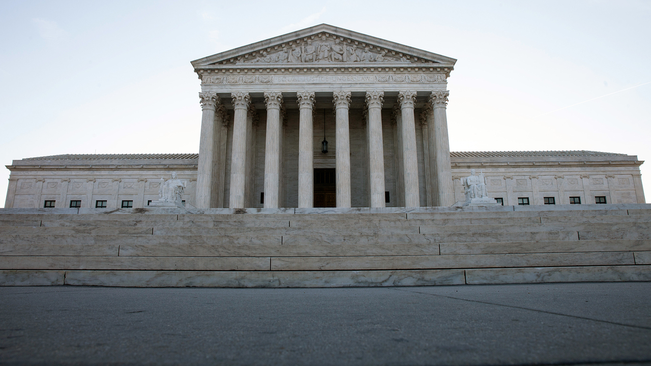 Supreme Court hears immigration detention case