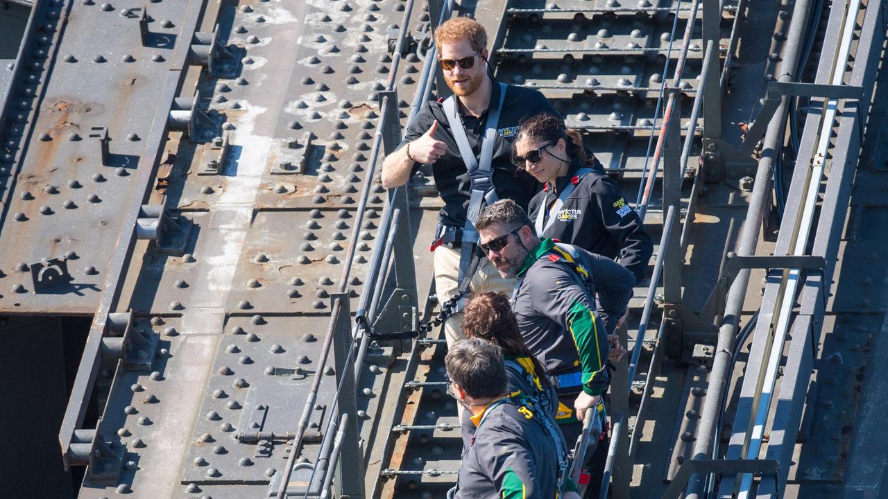 Prince Harry climbs Sydney Harbour Bridge to kick off Invictus Games